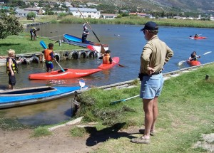 1st Paarl Scouts going out to canoe